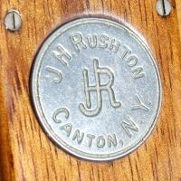 Rushton Monogram medallion